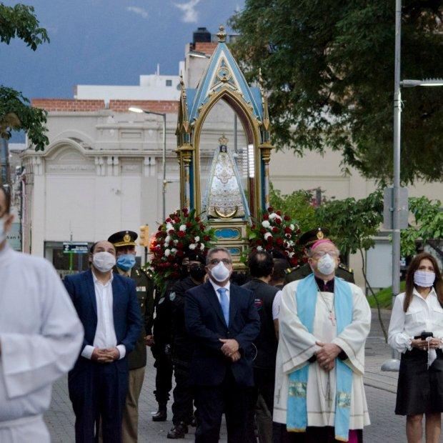 De manera atípica, culminó la procesión de la Virgen del Valle
