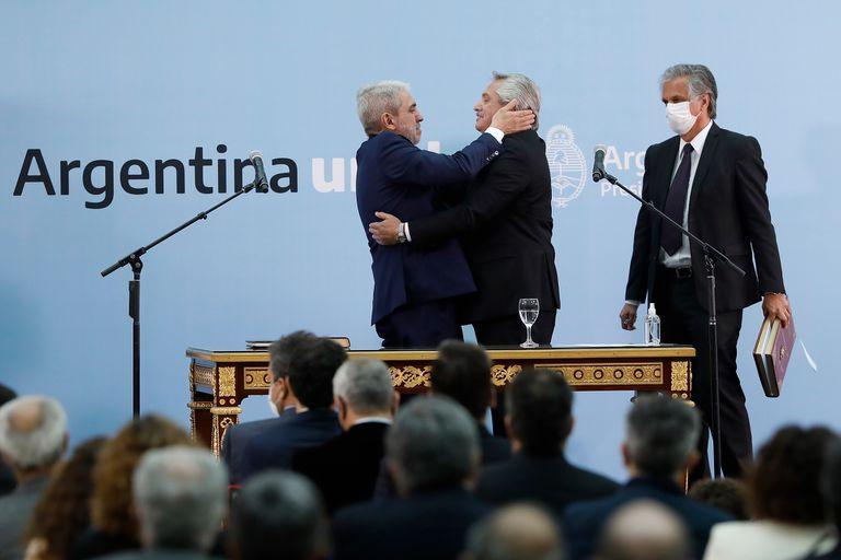 Fernández rechazó la exigencia de la oposición de forzar la renuncia de Aníbal Fernández por el caso Nik